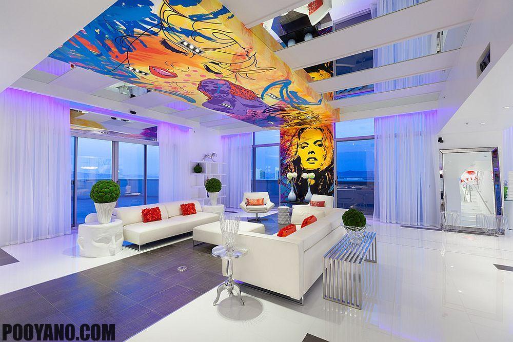 اتاق با سقف های رنگارنگ