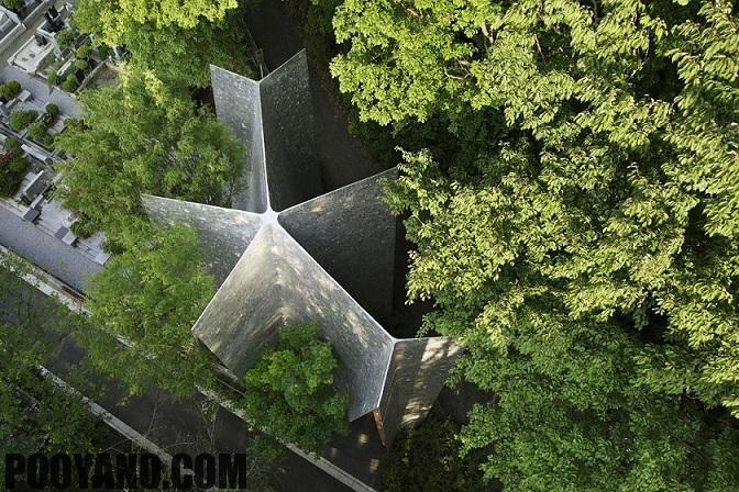 معماری یک نمازخانه کوچک در دل جنگل