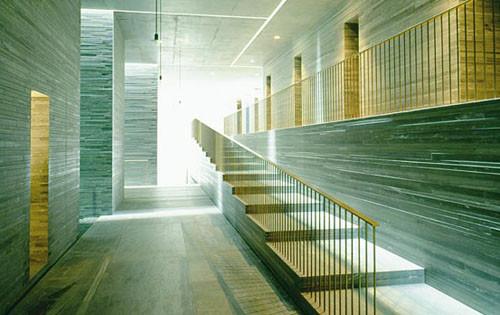 حمام آب گرم والس / پیتر زومتور در سوئیس