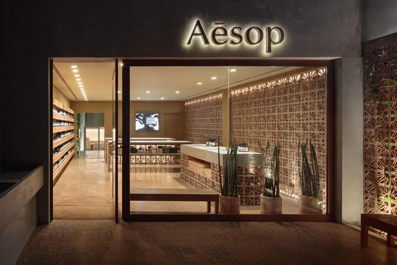 آجرهای برزیلی در طراحی داخلی فروشگاه ازوپ توسط استودیو کامپا