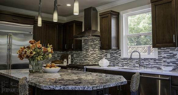 کانترتاپ یا پیشخوان گرانیتی یا سنگ کابینت در طراحی کابینت آشپزخانه
