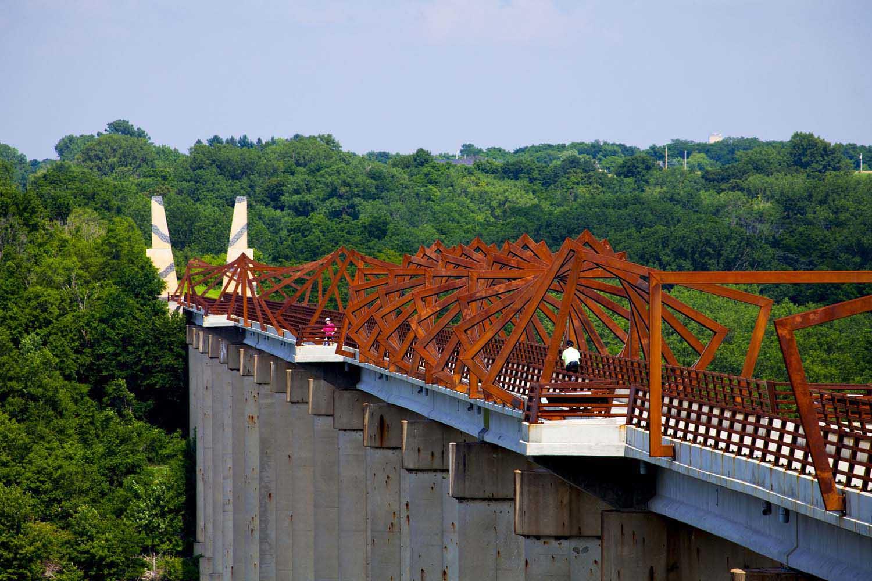 طراحی پل با طاق بست های ممتد بلند / شرکت معماری طراحی و برنامه ریزی RDG