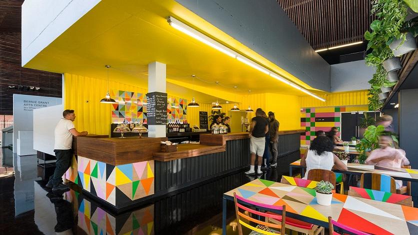 طراحی کافی شاپ رنگارنگ در مرکز هنر برنی ، دیزاینر موراگ میرسکاف