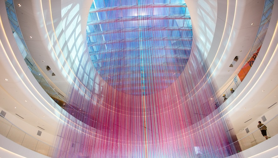 تغییر شکل داخلی بزرگ ترین فروشگاه آمریکای شمالی با ۱۳۰۰۰ رشته نخ / طراحی داخلی HOTTEA