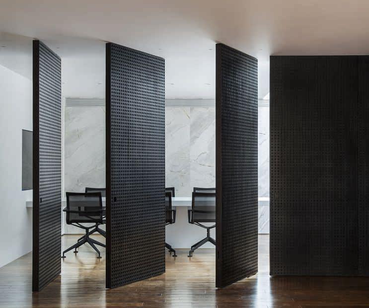 طراحی داخلی دفتر کار Guilherme Torres / معماری استودیو Guilherme Torres