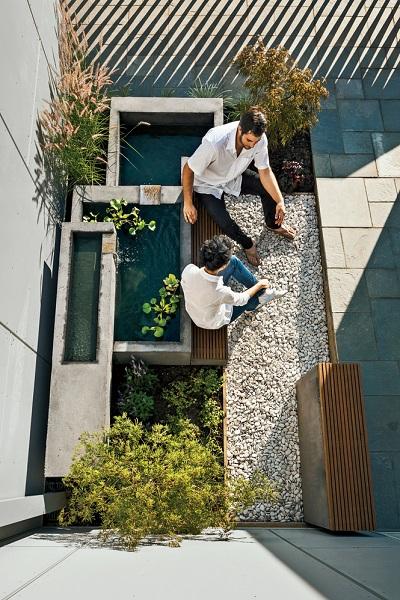 آبنما در طراحی حیاط و پاسیو : جدیدترین نمونه های مدرن را بشناسید!