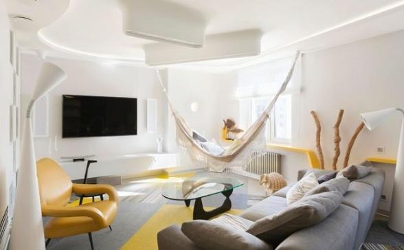 طراحی نواری در دکوراسیون داخلی آپارتمان روسی همچون اشعه خورشید / طراح داخلی Olga Arapova