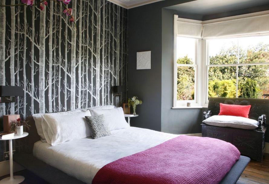 طرح گل نقطهای درکاغذدیواری اتاق خواب
