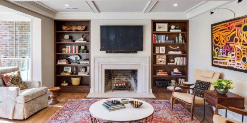 آیا نصب تلویزیون بالای شومینه در طراحی داخلی منزل مناسب است؟