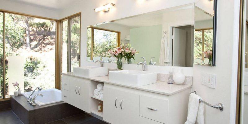 ۱۷ روش برای نظم و سامان دادن به حمام و سرویس