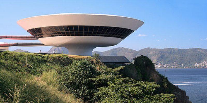 طراحی معماری موزه نیترو اسکار نیمایر در برزیل