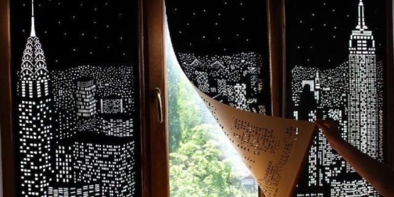 پرده هایی به رنگ شب ؛ برچسب شیشه پنجره