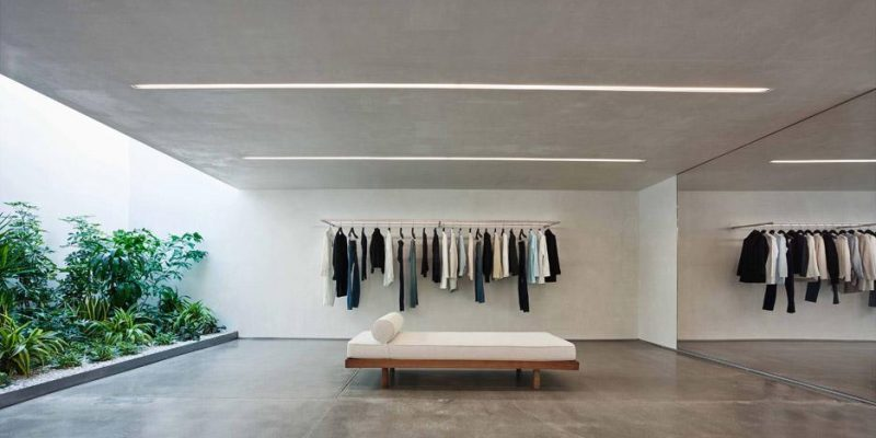 طراحی سالن لباس مینیمال در هالیوود توسط Standard Architecture برای برند مد Helmut Lang