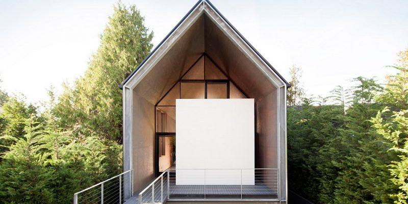 طراحی خانه اسکله ای با مناظری به دقت انتخاب شده از میان پوشش گیاهی سرسبز موجود در سیاتل