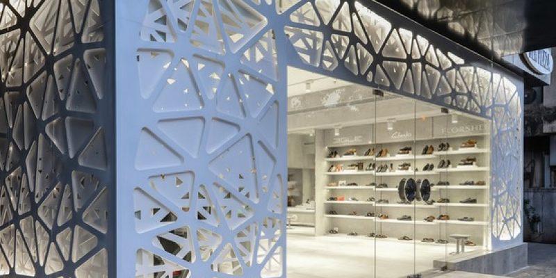 طراحی داخلی فروشگاه کفش رگال / معماری NUDES