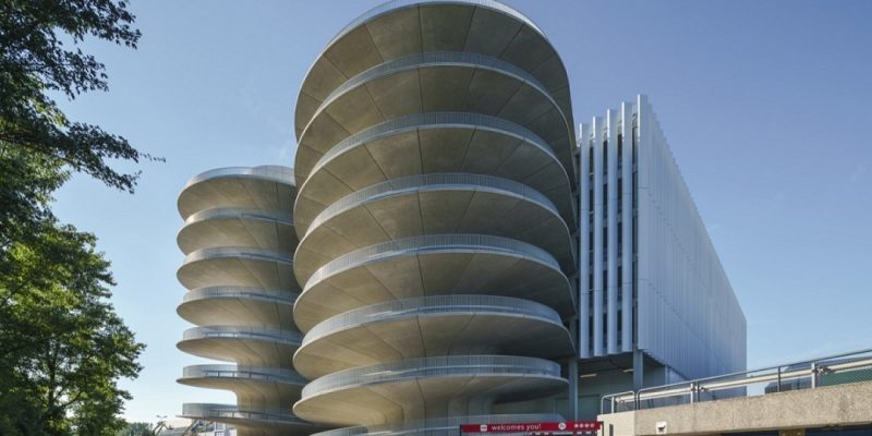 معماری و طراحی پارکینگ آر-ای-آی / Benthem Crouwel Architects