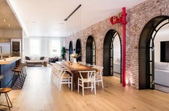 تبدیل دو آپارتمان به یک خانه بزرگ با طاق های نمایان در تریبکا / Raad Studio