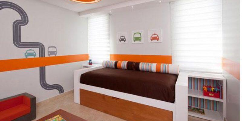 تخت های فانتزی اتومبیل مسابقه و واگن های کدو تنبل