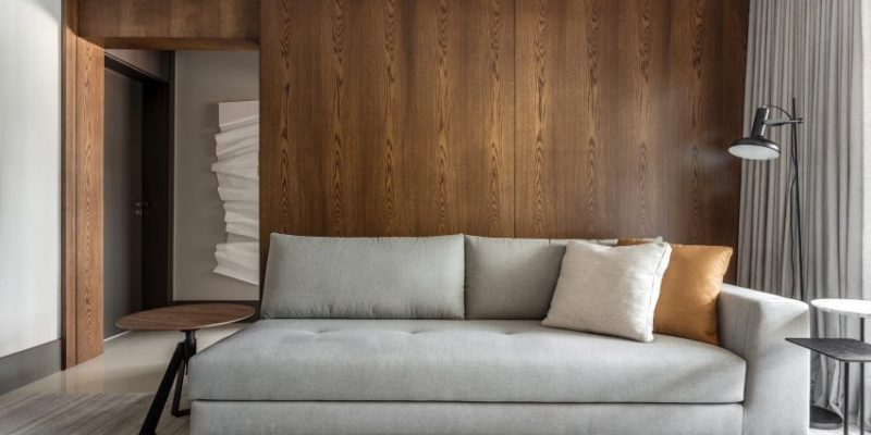 ترکیب چوب تیره و مرمر روشن در بازسازی آپارتمان ، کوریتیبا، برزیل / معماری Belotto Scopel Tanaka