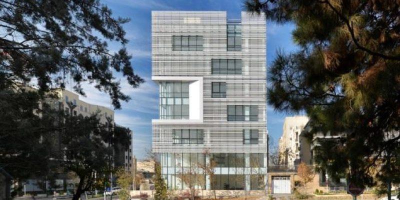 طراحی معماری ساختمان دفتر سفید