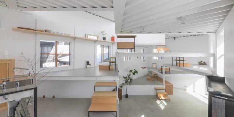طراحی سطوح کف خانه در نقش میز و قفسه در Miyamoto / معماری Tato Architects