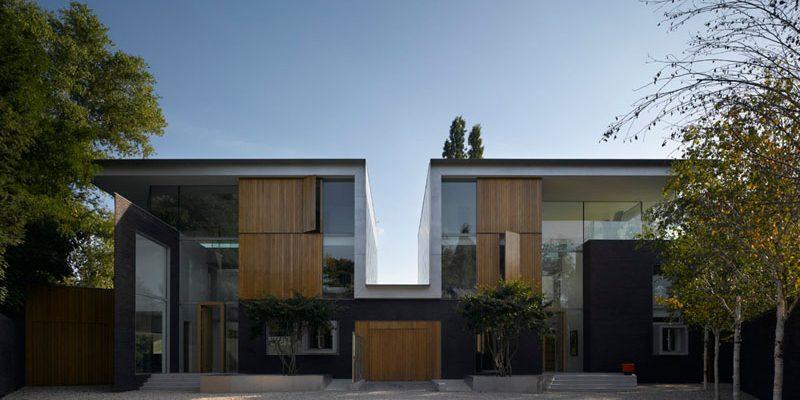 معماری یک جفت خانه با طراحی و اجرای آتریوم بلند در لندن