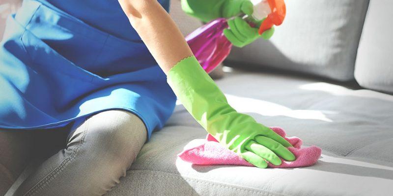 پاک کردن لکه از روی مبلمان بر اساس نوع پارچه مبل