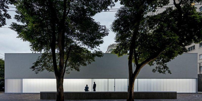 پانل های پلی کربنات در طراحی گالری Sao Paulo نمای درخشانی خلق کرده اند / شرکت معماری Metro