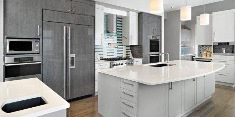 نمای تازه با کابینت براق یا کابینت های گلاس برای آشپزخانه مدرن