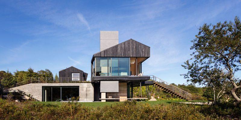 طراحی نما خانه با چوب سیاه رنگ در ماساچوست و طراحی داخلی خاص
