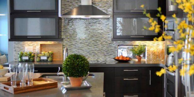 ۷ ایده الهام بخش برای نوسازی و بازسازی کابینت آشپزخانه و دکوراسیون آشپزخانه