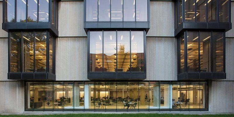 نوسازی داخلی کتابخانه سبک بروتال در شیکاگو / معماری توسط Woodhouse Tinucci