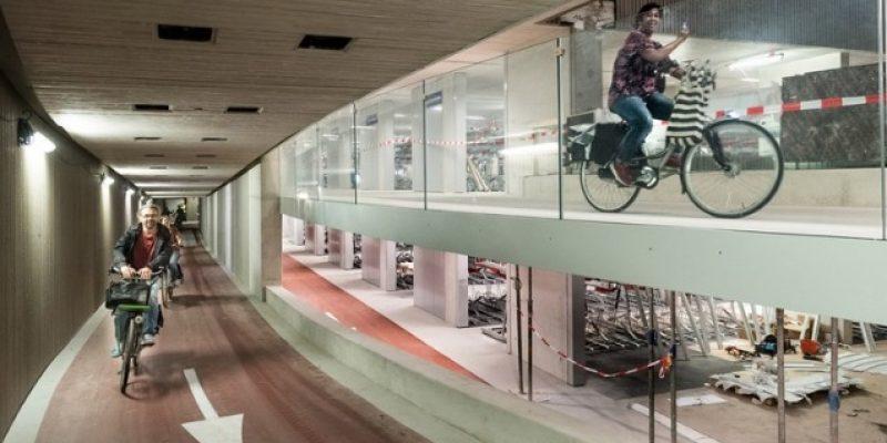 طراحی داخلی پارکینگ دوچرخه : شهر اوترخت بزرگترین پارکینگ دوچرخه جهان را افتتاح میکند