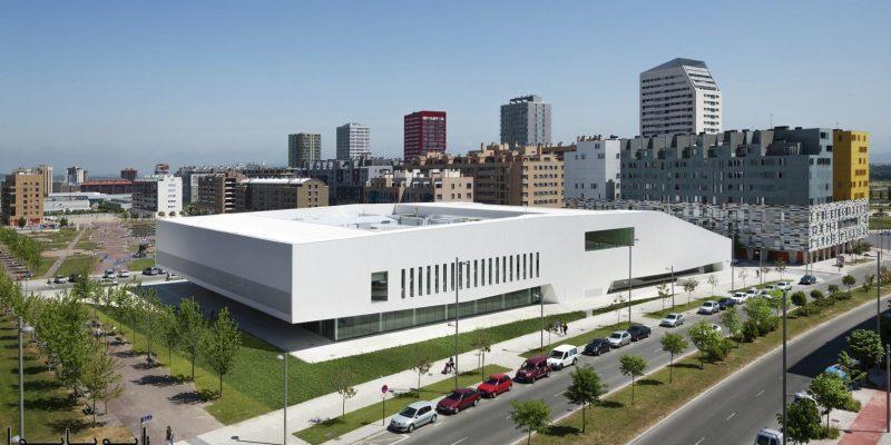 معماری ساختمان مرکز فرهنگی، ورزشی و اجتماعیِ سالبورئا / معماران ACXT