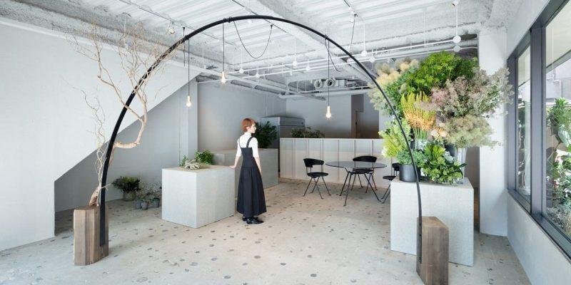 طراحی داخلی گلفروشی در ژاپن / معماری Sides Core