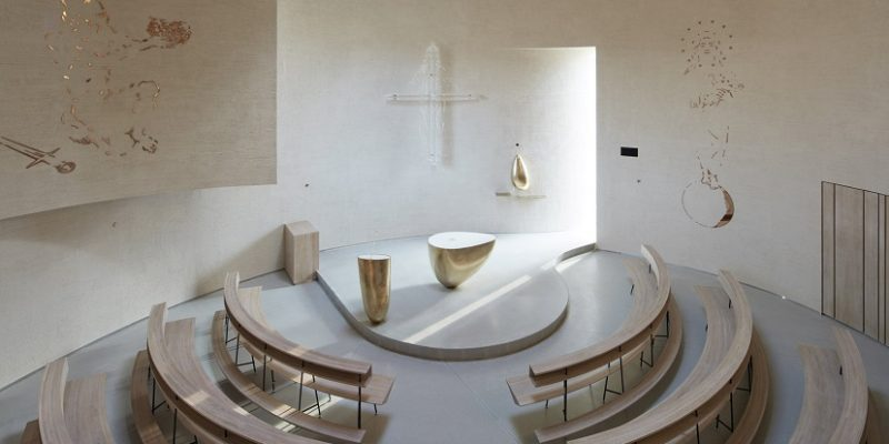 طراحی داخلی کلیسای استوانه ای سفید رنگ در جمهوری چک / معماری آتلیه Stepan