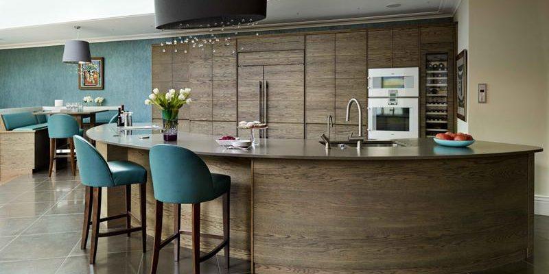۲۰ میز بار منحنی شکل برای آشپزخانه