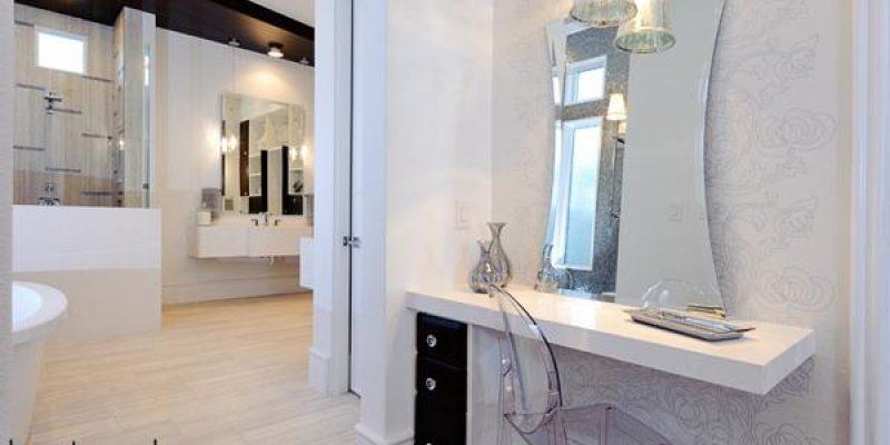 ۲۰ مدل میز آرایش یا میز توالت با آینه در حمام و سرویس
