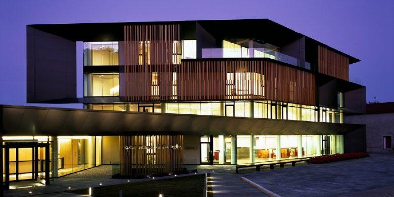 طراحی ساختمان بانک Nuova Sede Banca Credito Cooperativo di Caraglio / معماری Kuadra