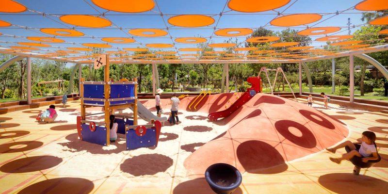 طراحی پارک بازی نیلی / شرکت معماری Ballistic Architecture Machine BAM