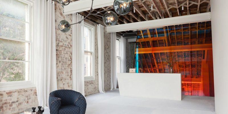 طراحی استودیو چندحسی یوگا در انباری در سیدنی / دیزاینر کارن آبرنتی