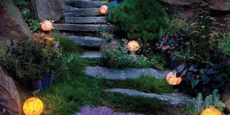 طراحی باغچه هنرمندانه : راهنمای نورپردازی افسانهای خانه باغ