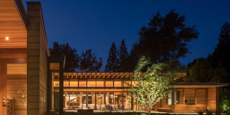 طراحی خانه معاصر و به سبک مزرعه ای برای خانواده ای در دره Silicon کالیفرنیا