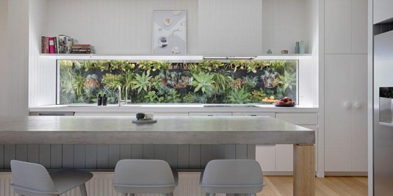 آشپزخانه و کابینت تماما سفید و ۱۳ روش برای بانشاط آنها