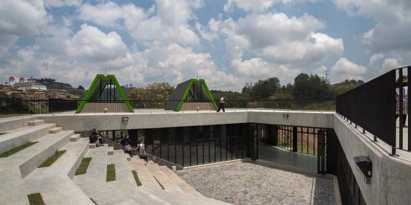 طراحی مرکز اجتماعی سن ویسنته فرره / استودیو معماری Plan:b arquitectos