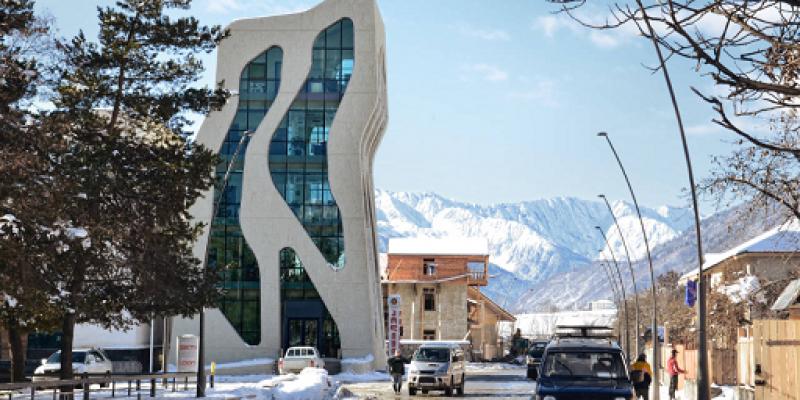 طراحی مرکز پلیس مستیا در گرجستان / J. Mayer H. Architects
