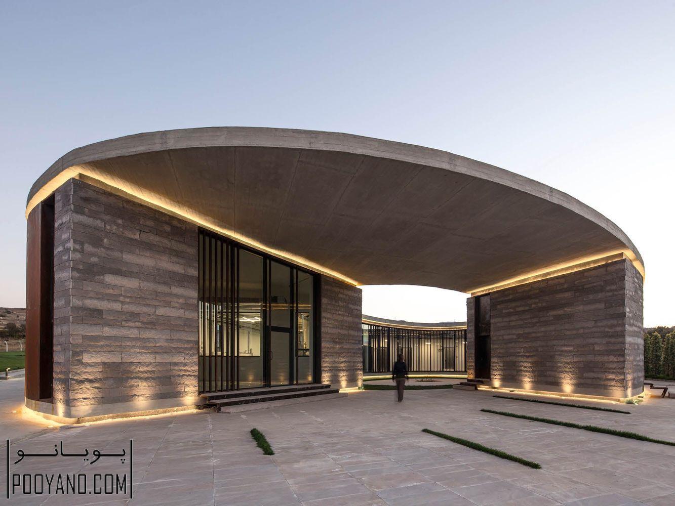 طراحی کارخانه تولیدی لبنیات 38 درجه 30 درجه ؛ شرکت های معماری Slash + Arkizon