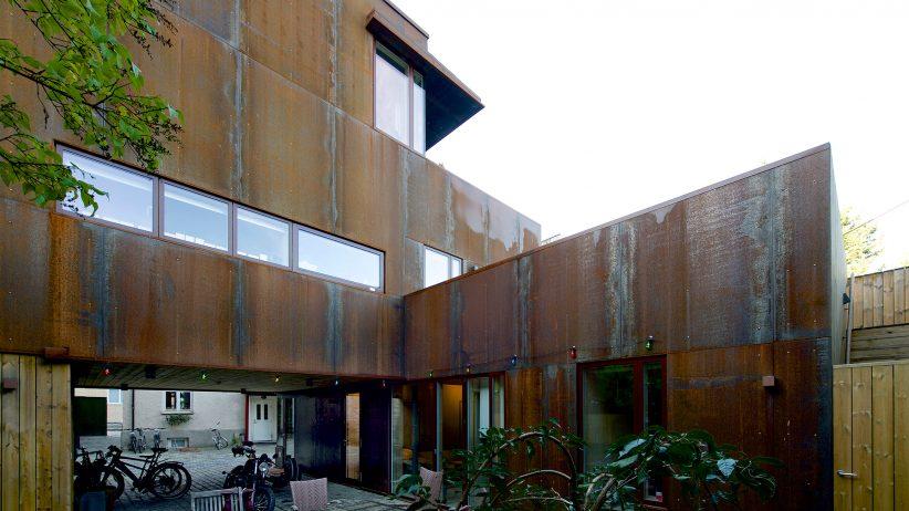 طراحی نمای زنگار زده ساختمان - پویانو