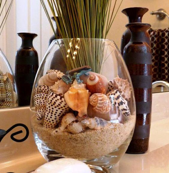 انواع صدف و سنگهای تزئینی هم می توانند در زیباترکردن گلدان