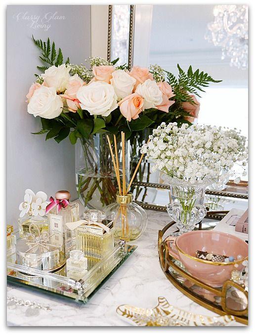 میز آرایش نیز می تواند پذیرای گلدان های کوچک دکور